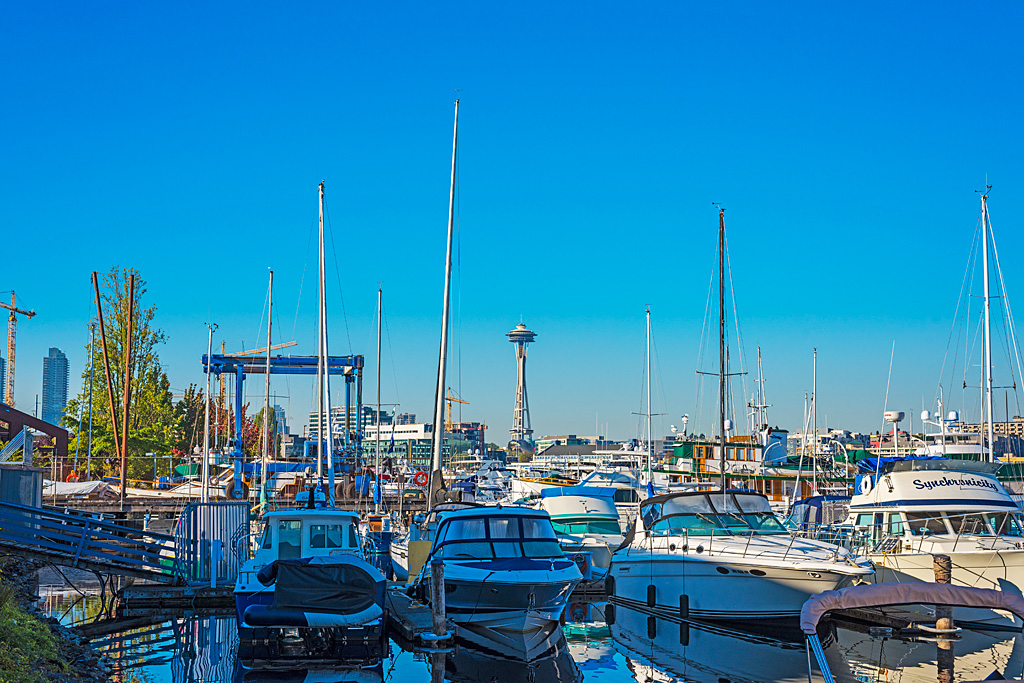Boats-Seattle-Harbor-space-needle